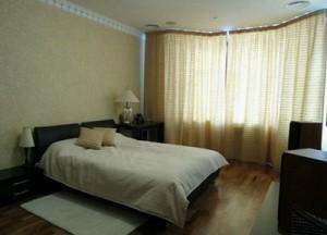 Продаю 2-х комнатную квартиру в смт. Бородянка
